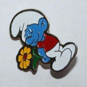 Adorable vintage Smurf brooch